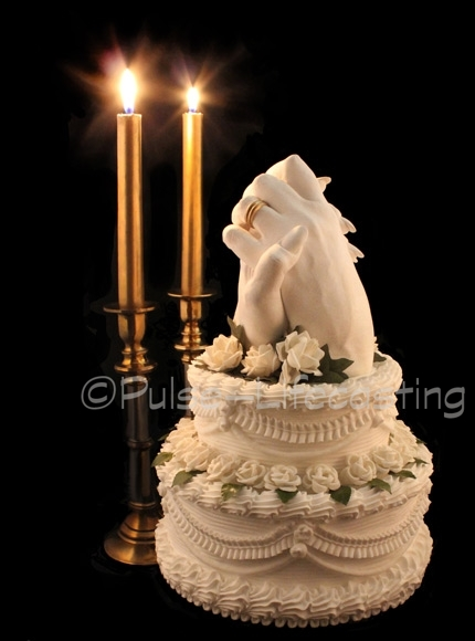 Wedding cake with Lifecast hands